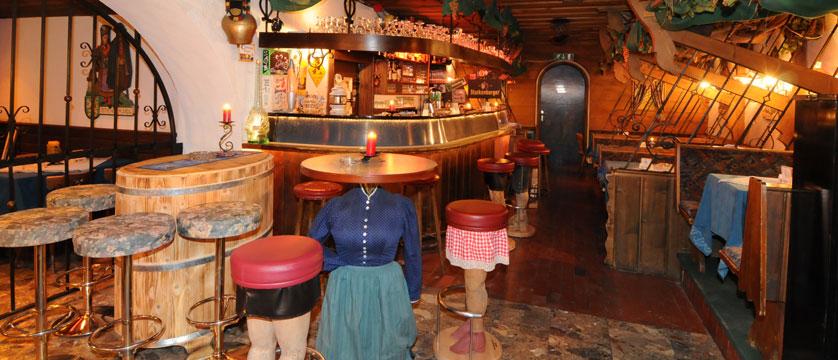 Hotel Nassereinerhof, St. Anton, Austria - bar.jpg